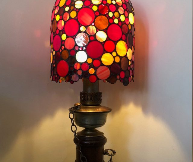 Tiffany lamp by Tracey Woodroffe